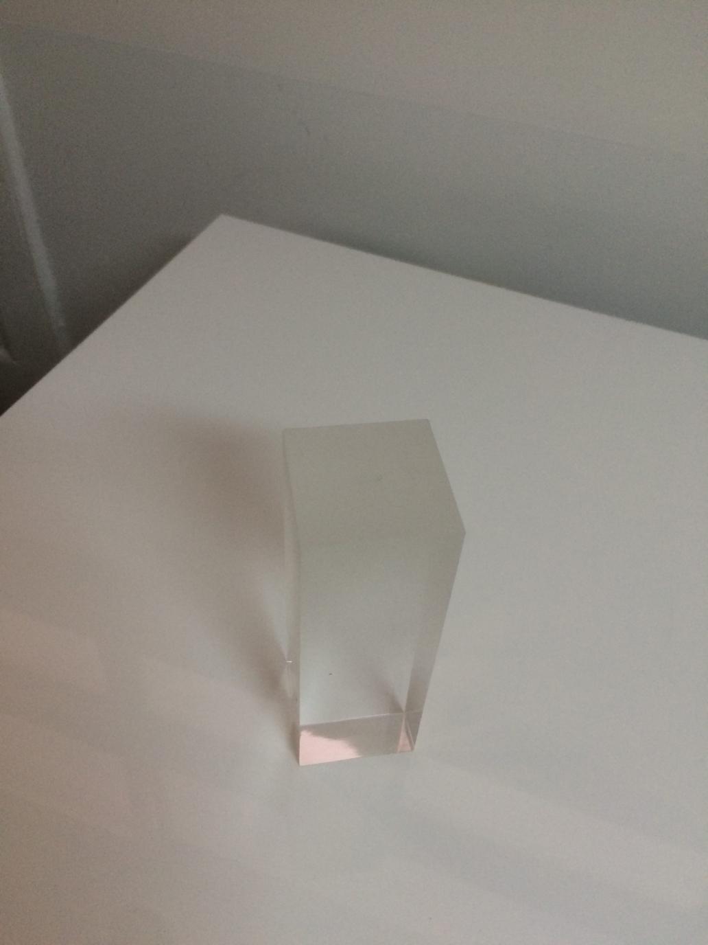Création factice produits en plexiglas